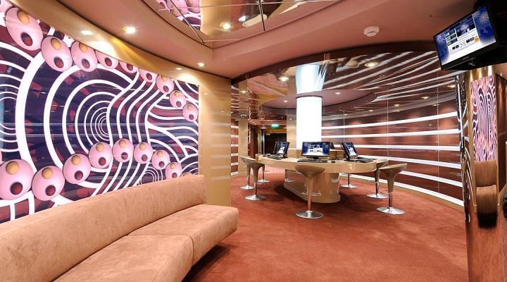 Msc Magnifica Cyber Cafe