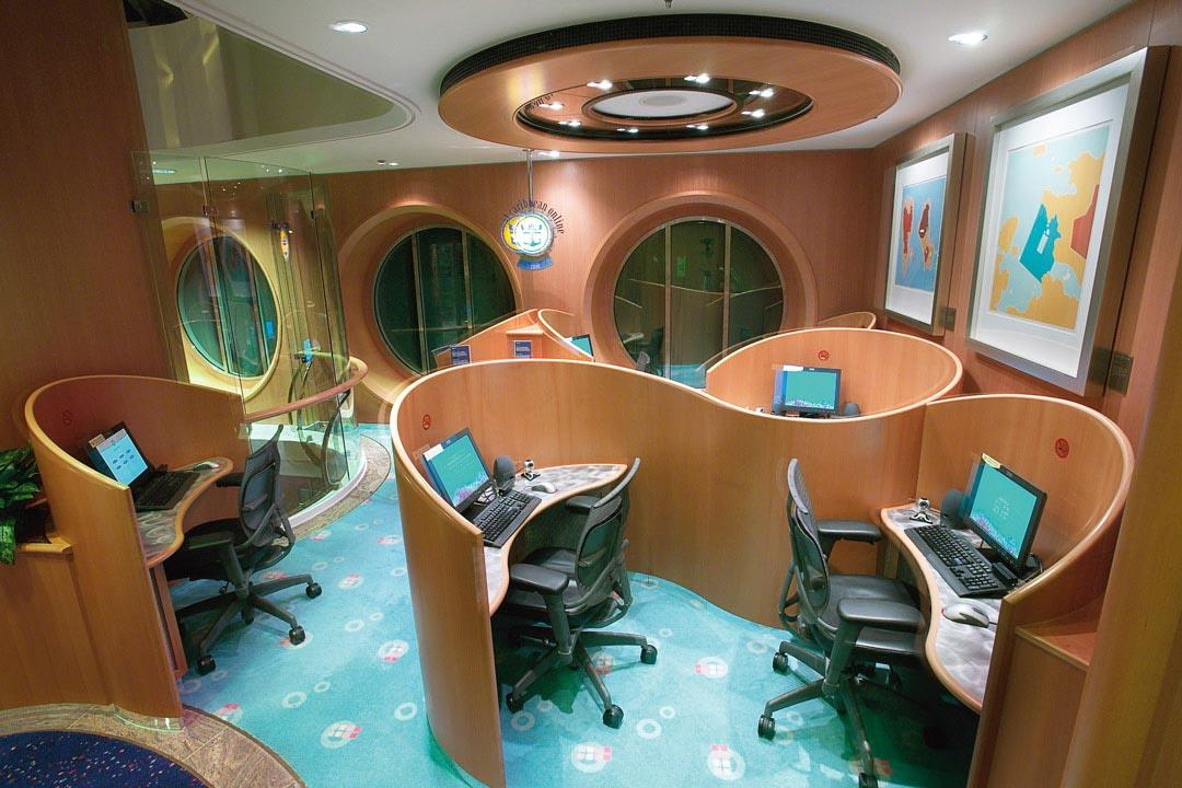 jewel of the seas internet cafe